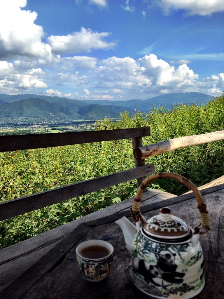 Chinese tea at Yun Lai viewpoint