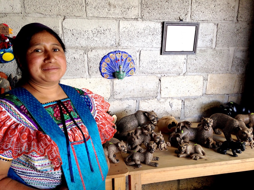 Here is the artist, Juana Ramírez Gómez. Her family members are also making pottery pieces to sell in their family run workshop